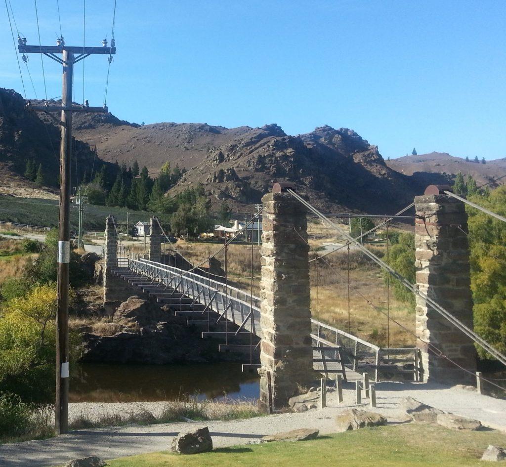 Shaky bridge, Alexandra