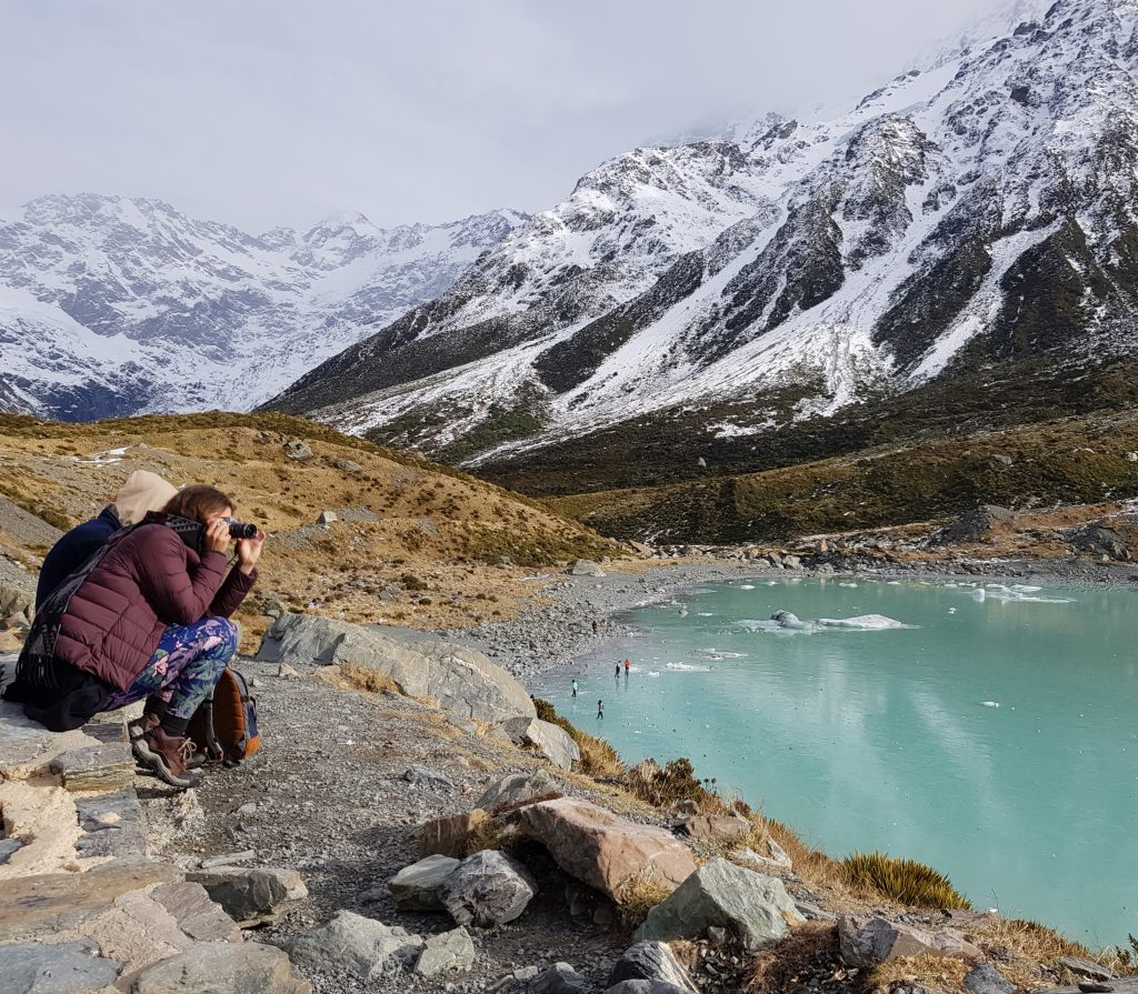 Hooker Lake with tourists