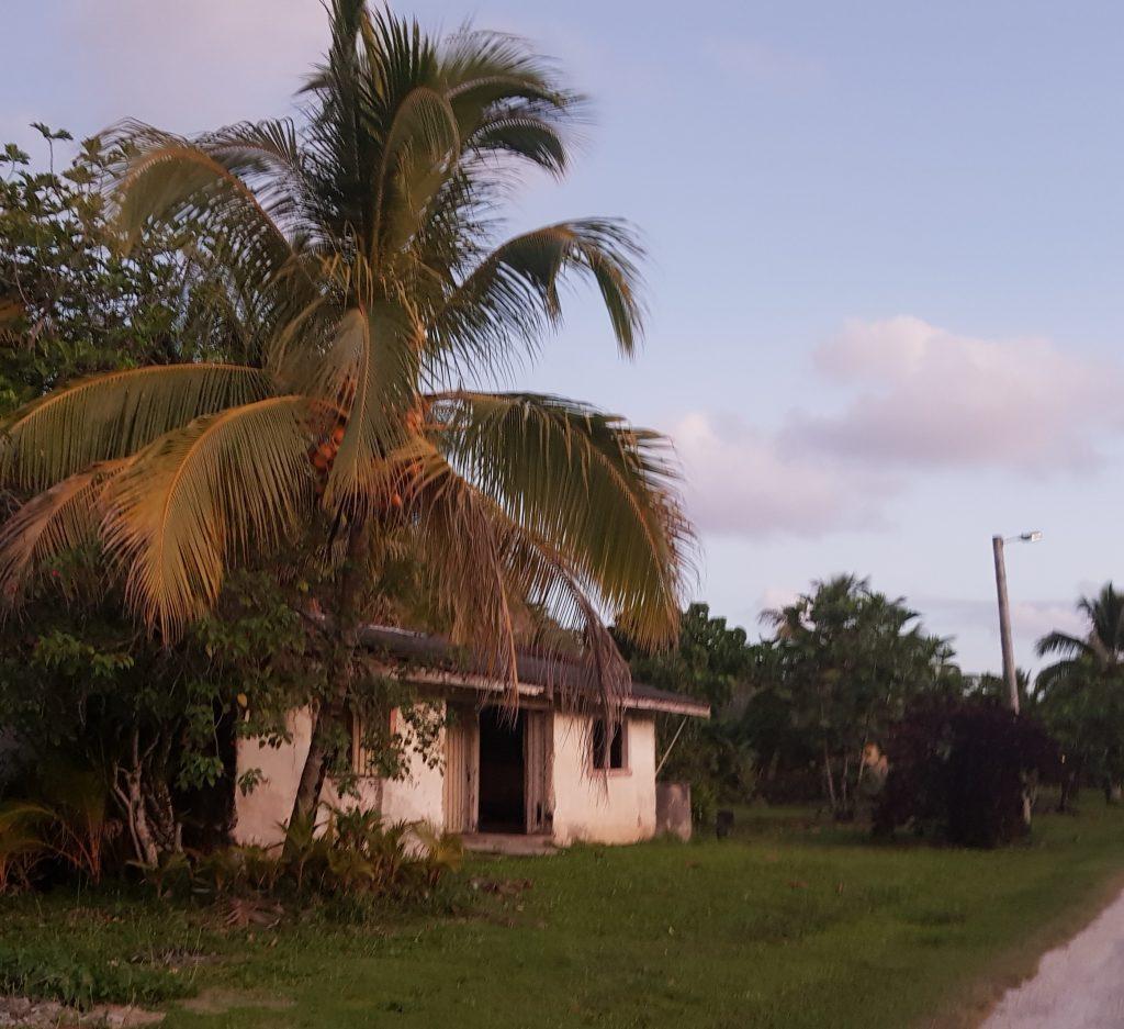 Empty house in Avatele